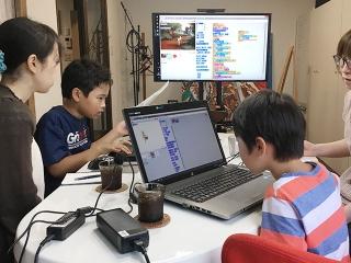 子ども向けプログラミング体験教室を開催しました